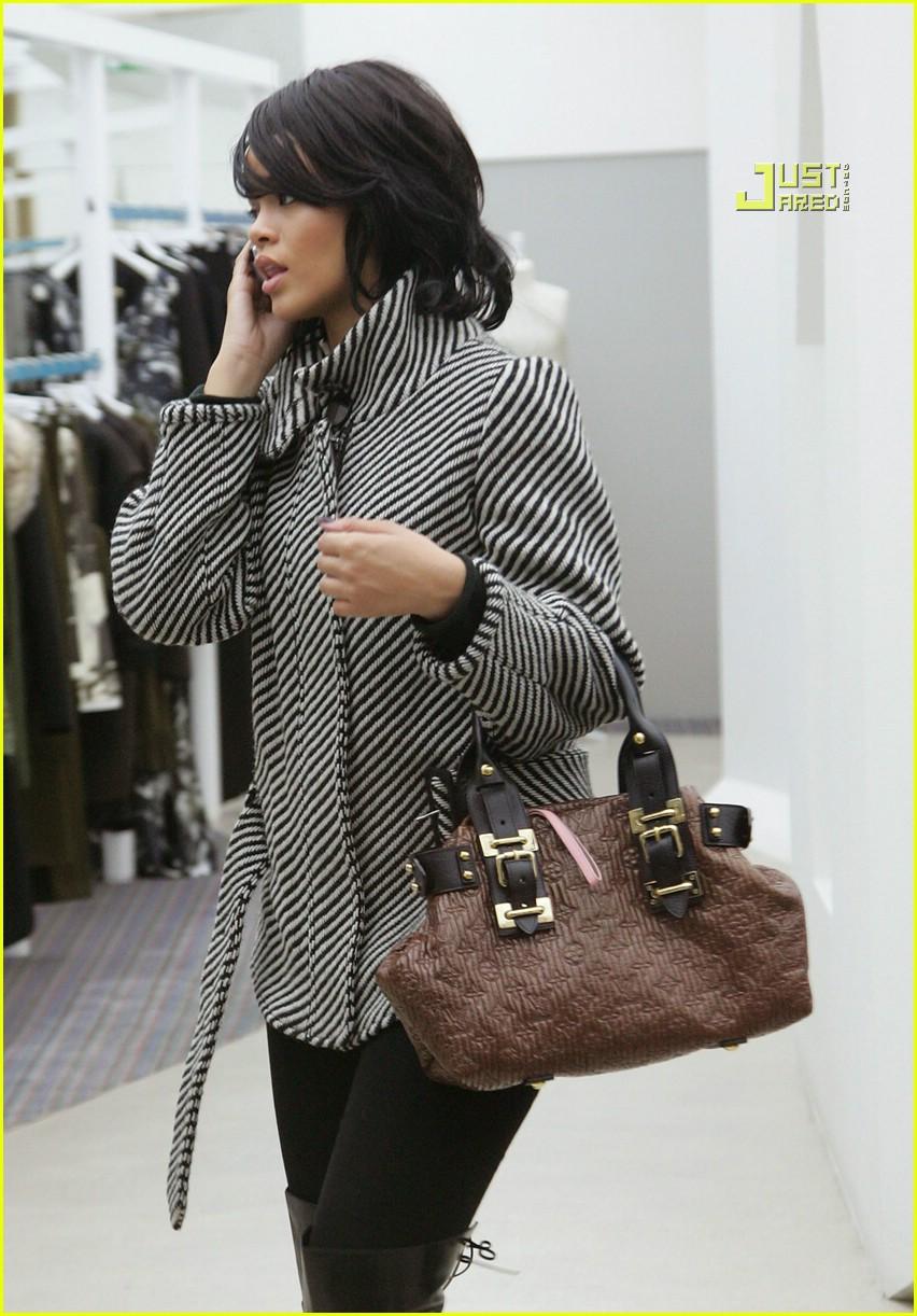 rihanna luxury shopping spree 03