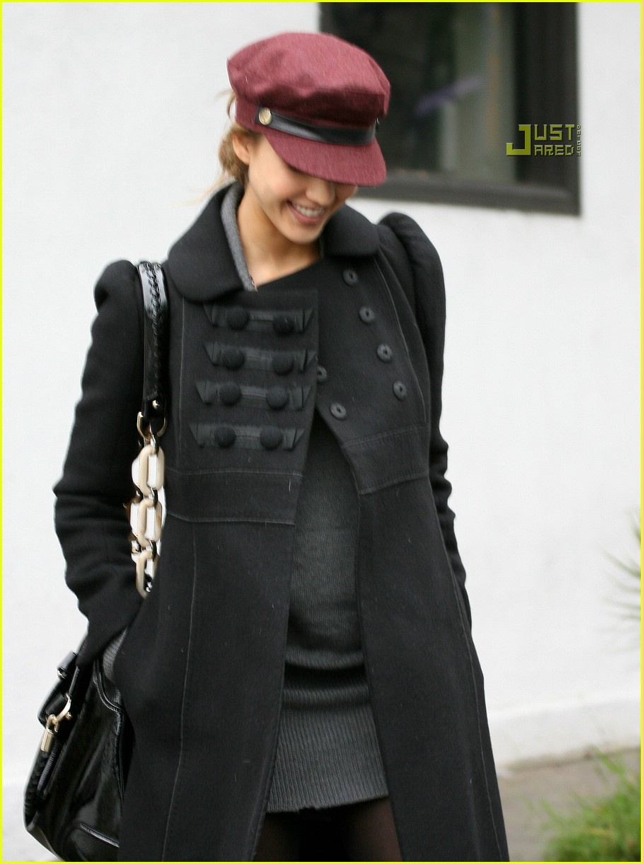 jessica alba baby bump watch 03