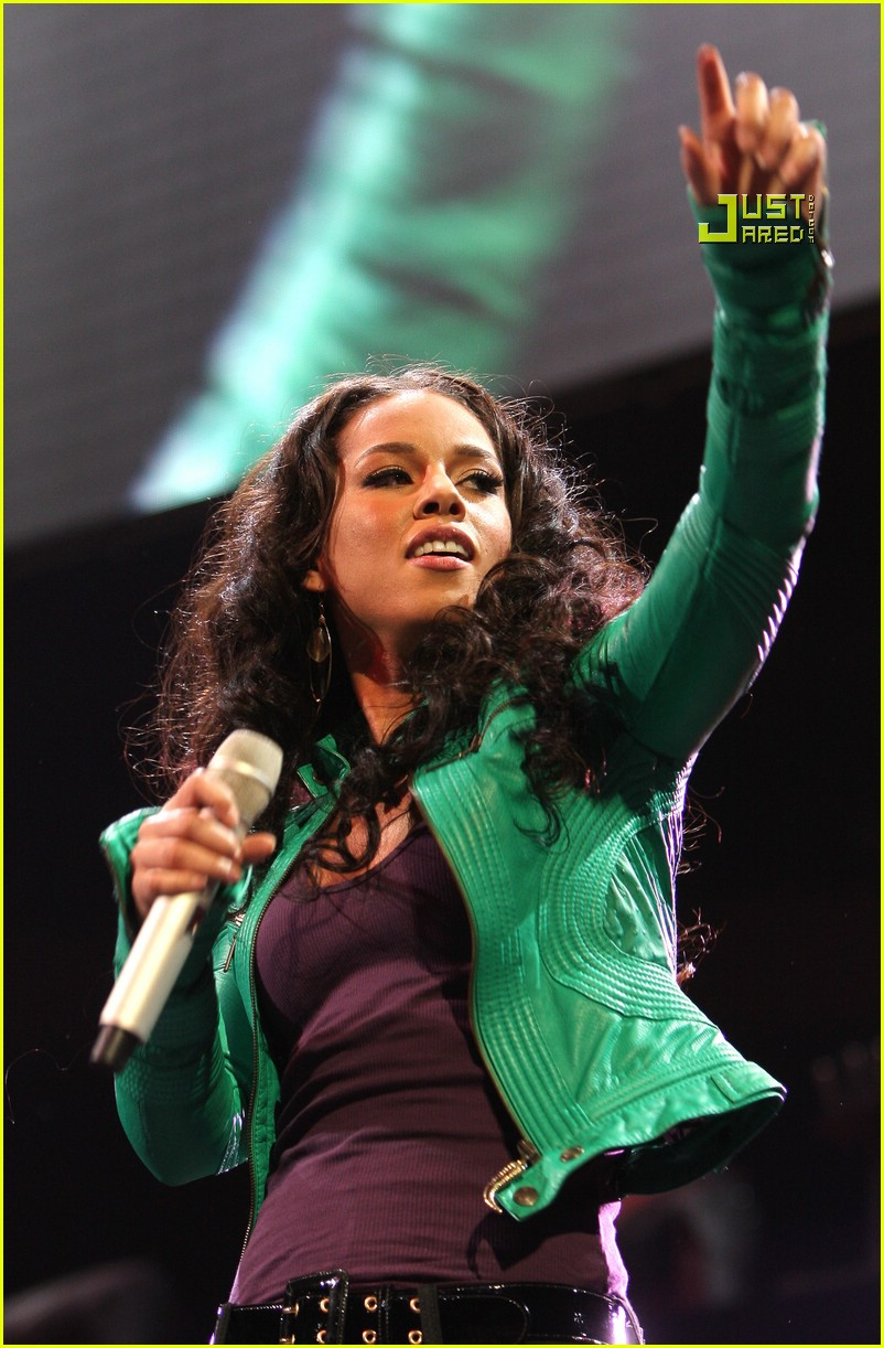 alicia keys jingle ball 01