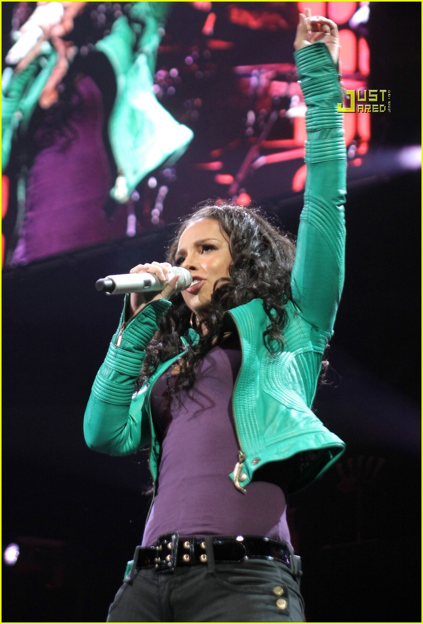 alicia keys jingle ball 13804001