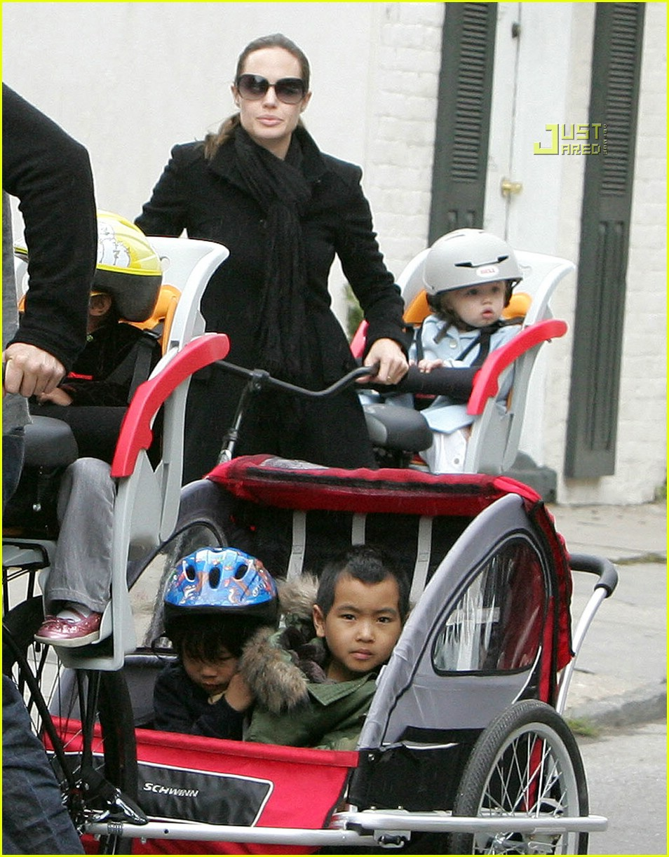angelina jolie shiloh bicycle 03815281