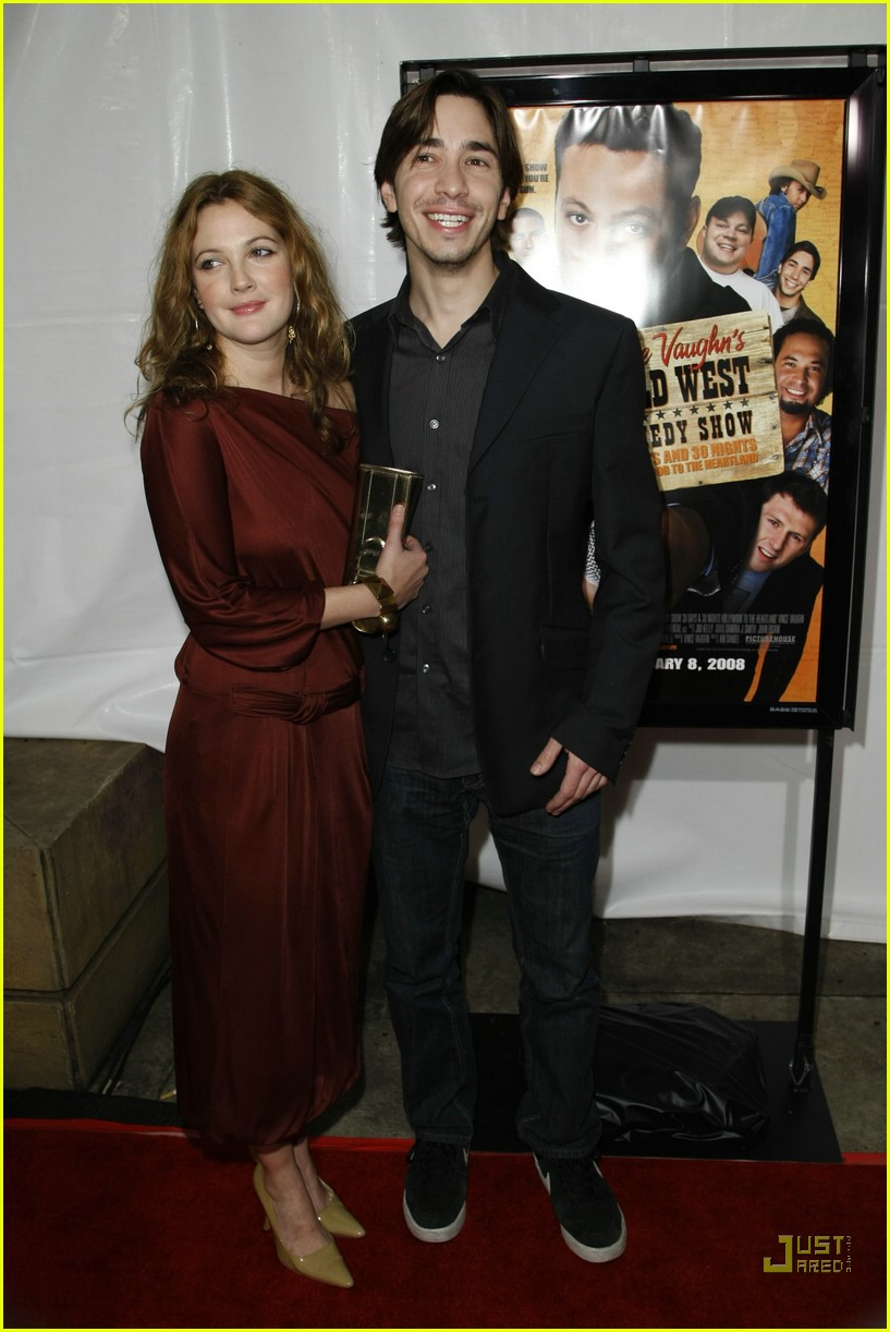 drew barrymore justin long red carpet love 19