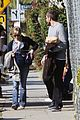 jake gyllenhaal reese witherspoon help the homeless 04