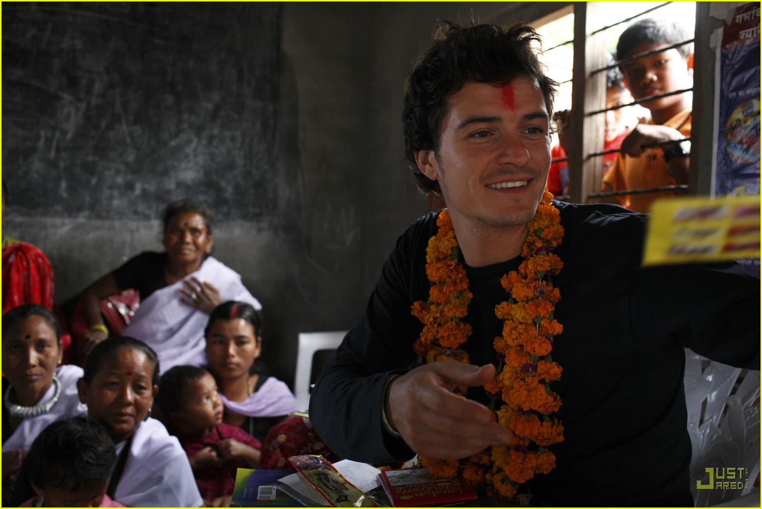 orlando bloom nepal 13846781
