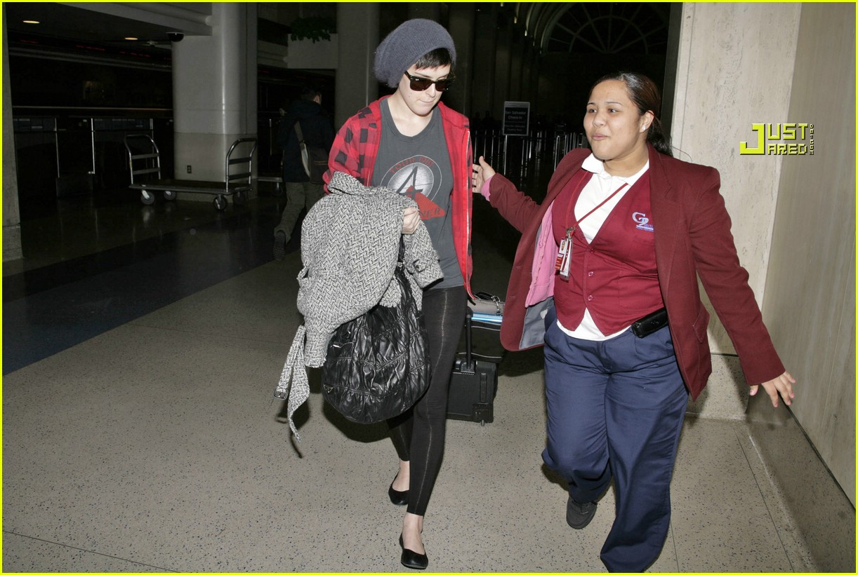 rumer willis airport 05