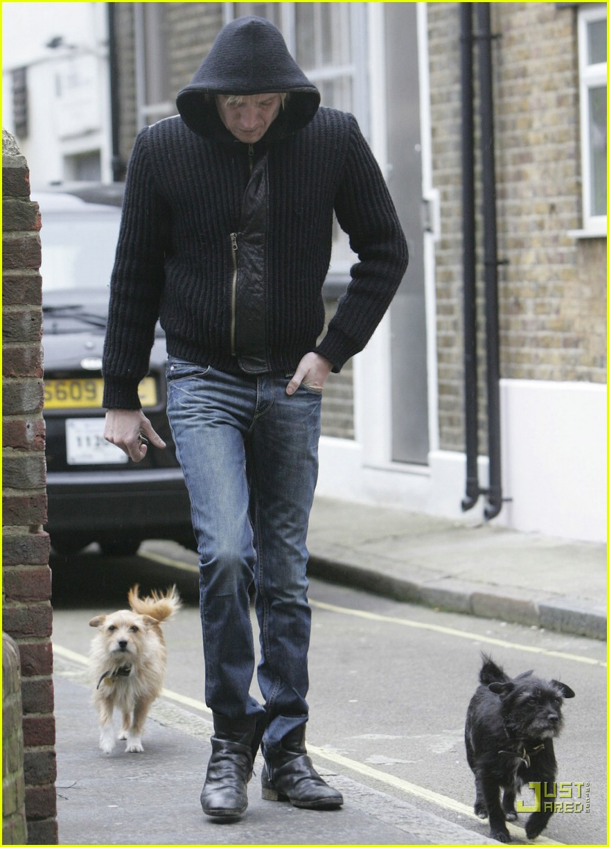 sienna miller professional dog walker 04