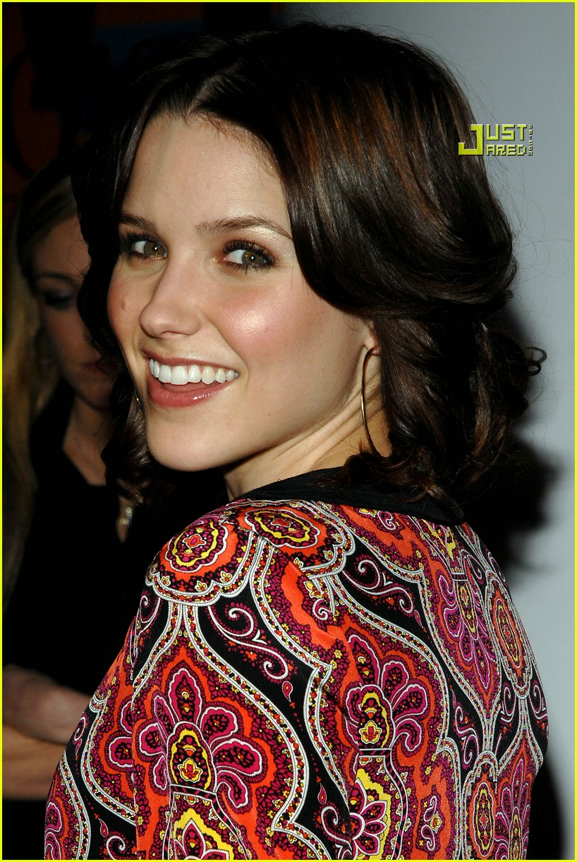 sophia bush verizon 01