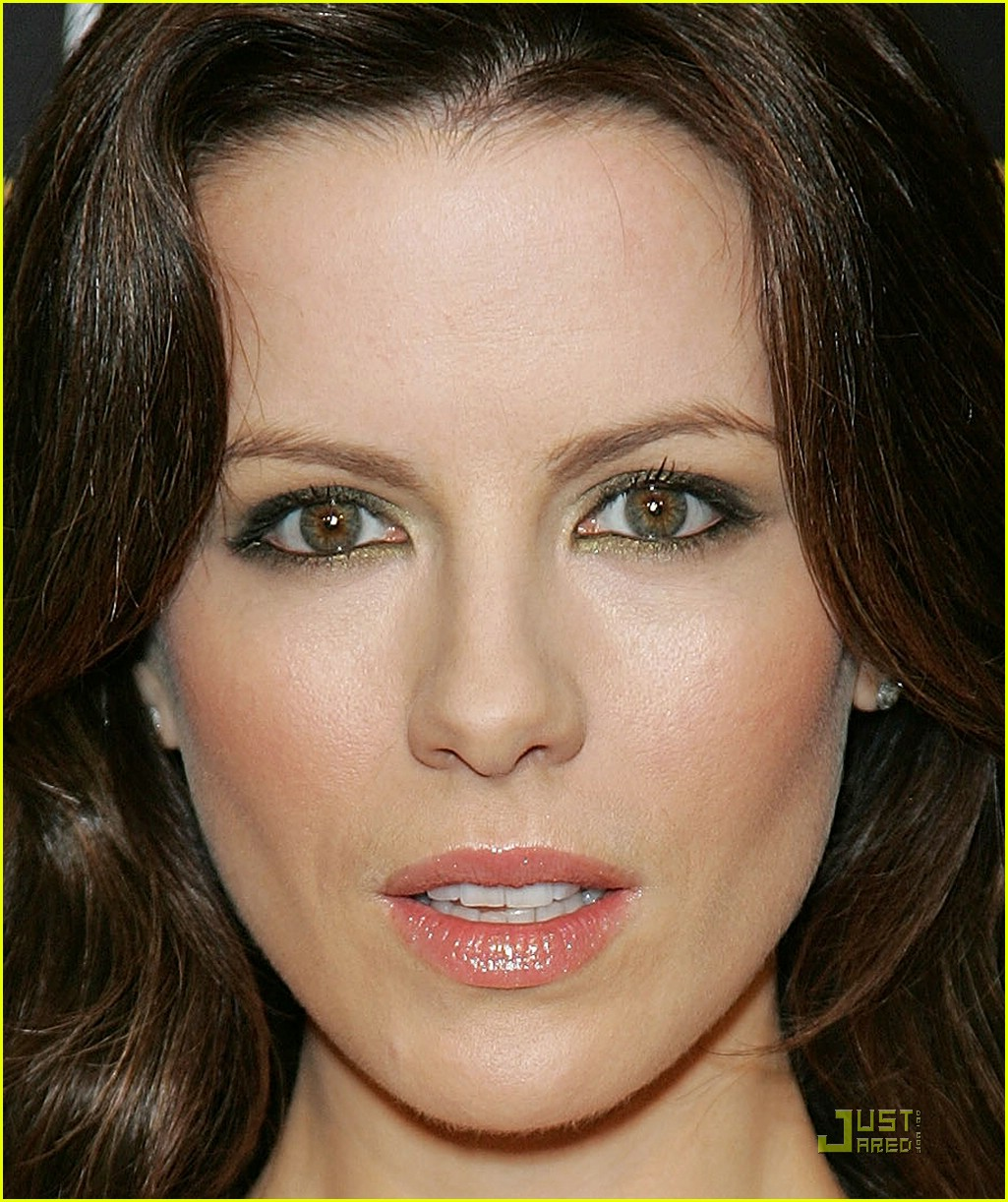 kate beckinsale pre oscars party 04948731