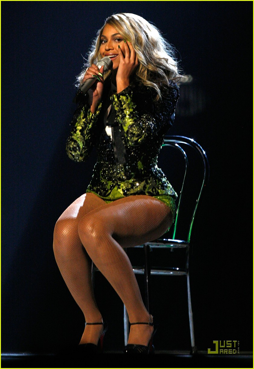 beyonce buttcrack 33