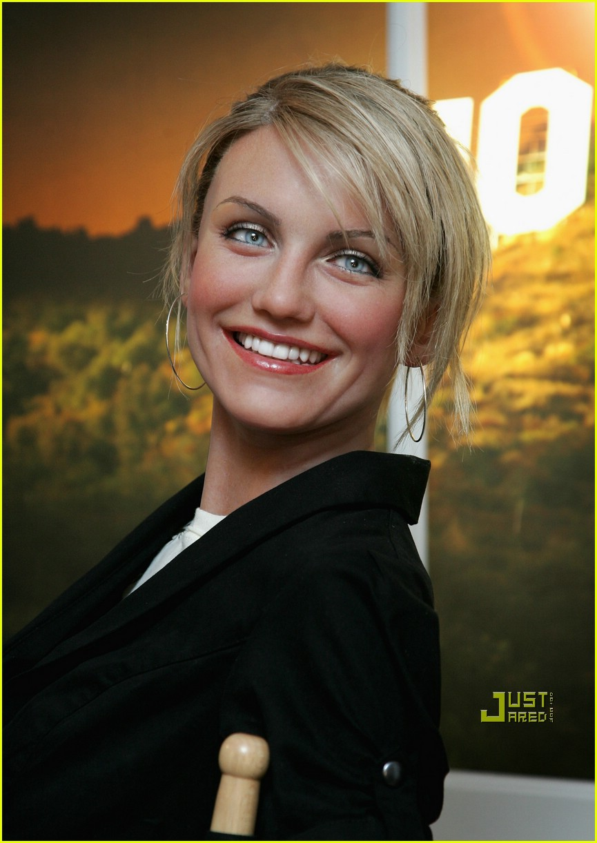 cameron diaz drew barrymore wax museum 03