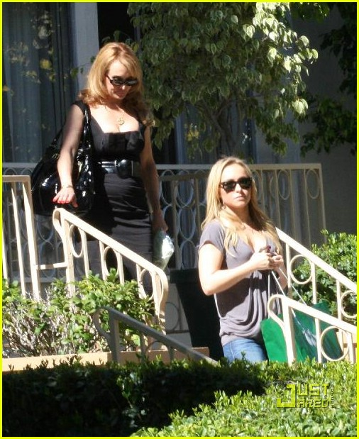 hayden panettiere apartment hunting 04