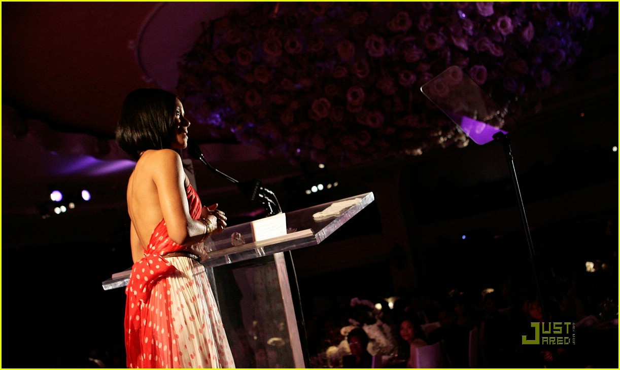 jada pinkett smith honored by essence 39