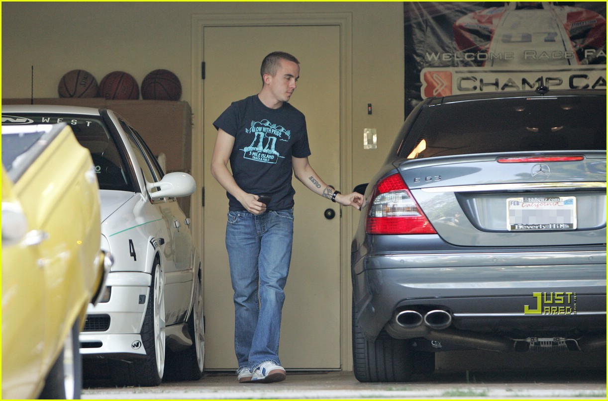 frankie muniz mercedes benz 04939571