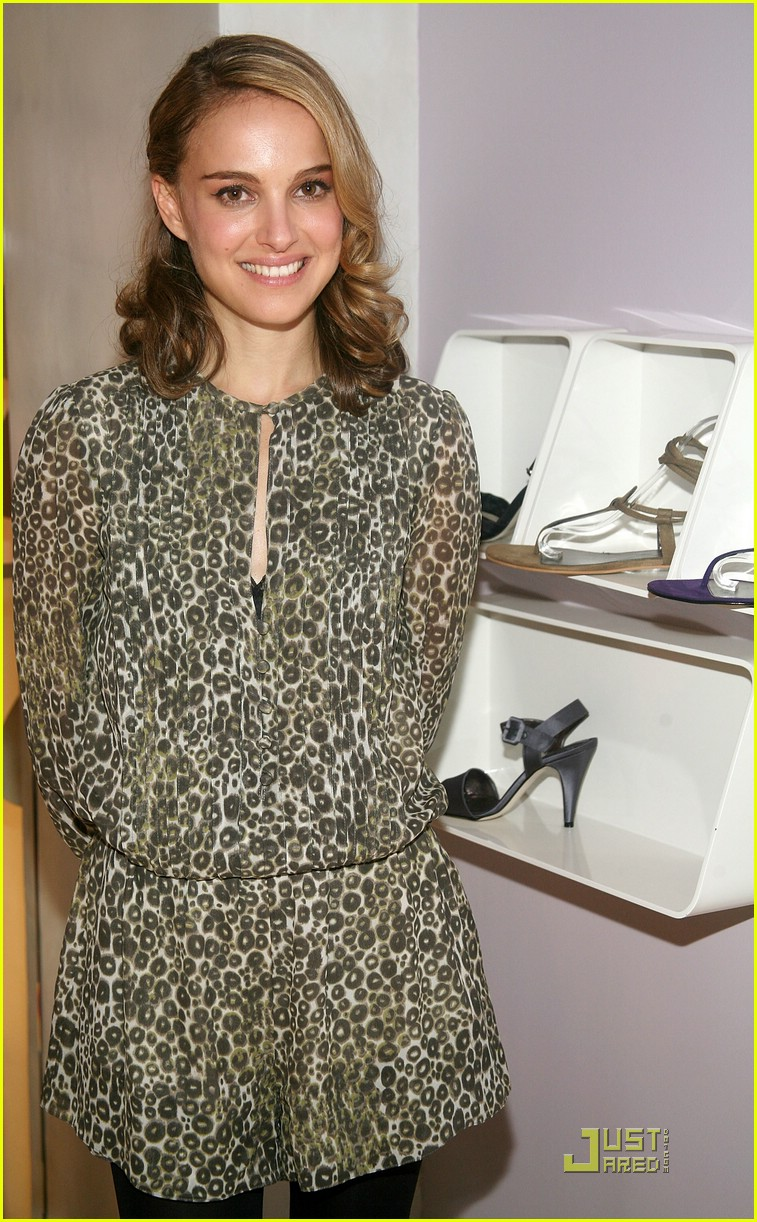natalie portman vegan shoes 07