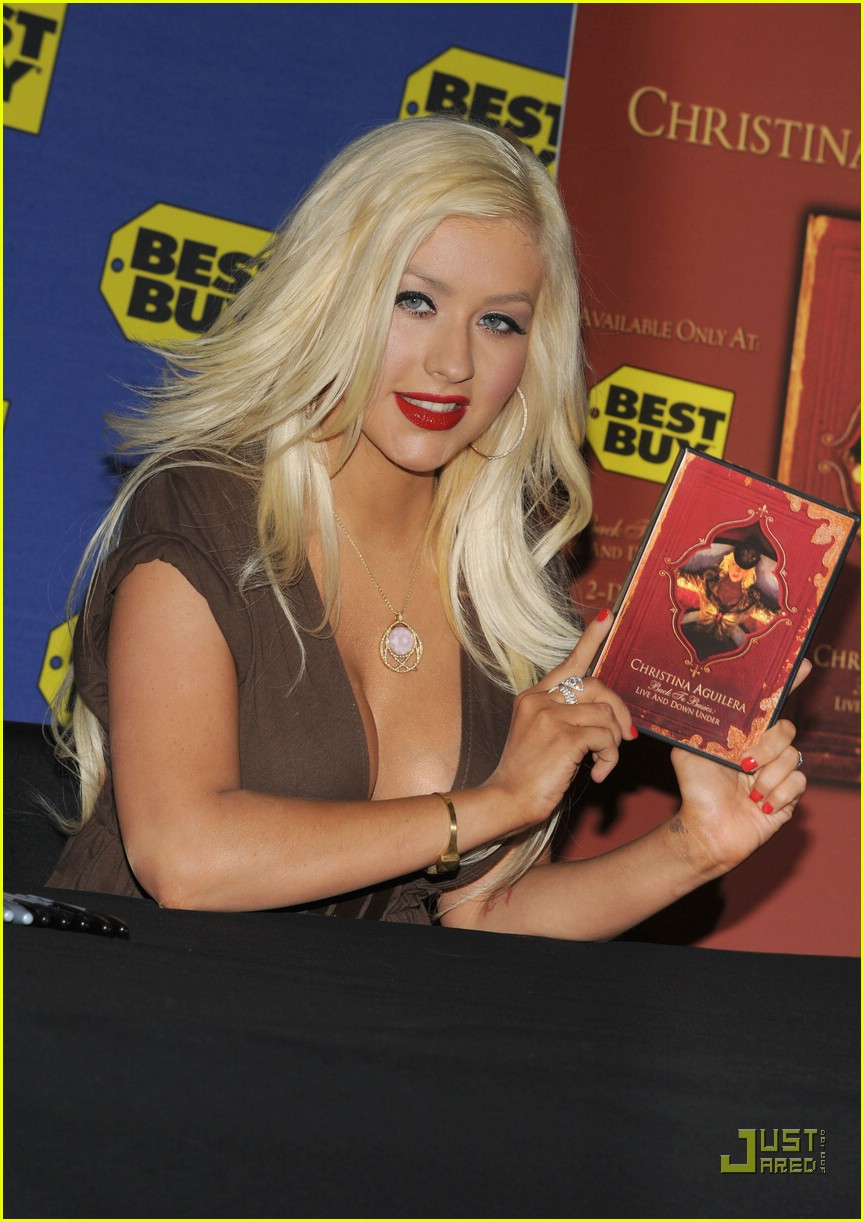 christina aguilera post pregnancy body 31910551