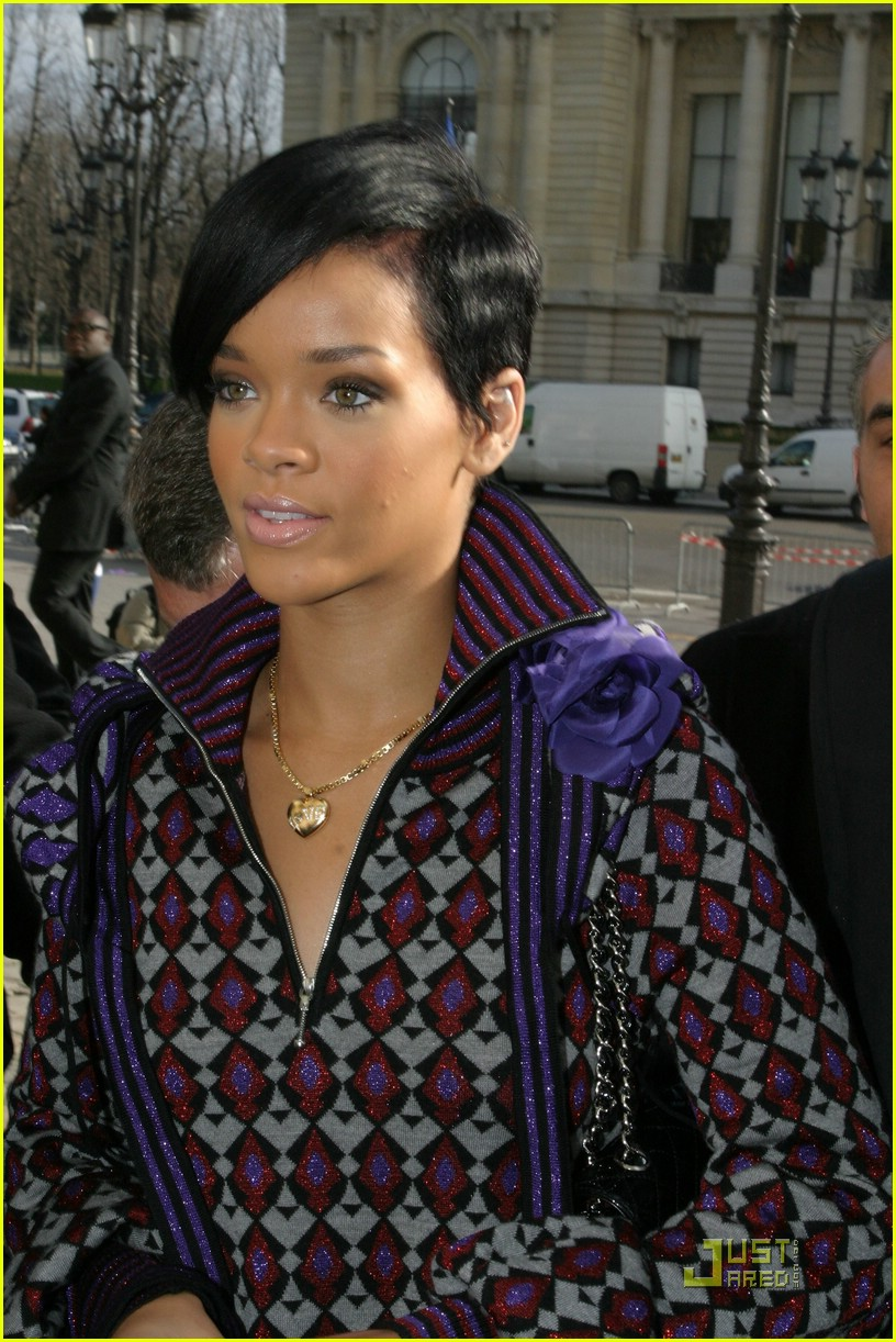 rihanna paris fashion week 05