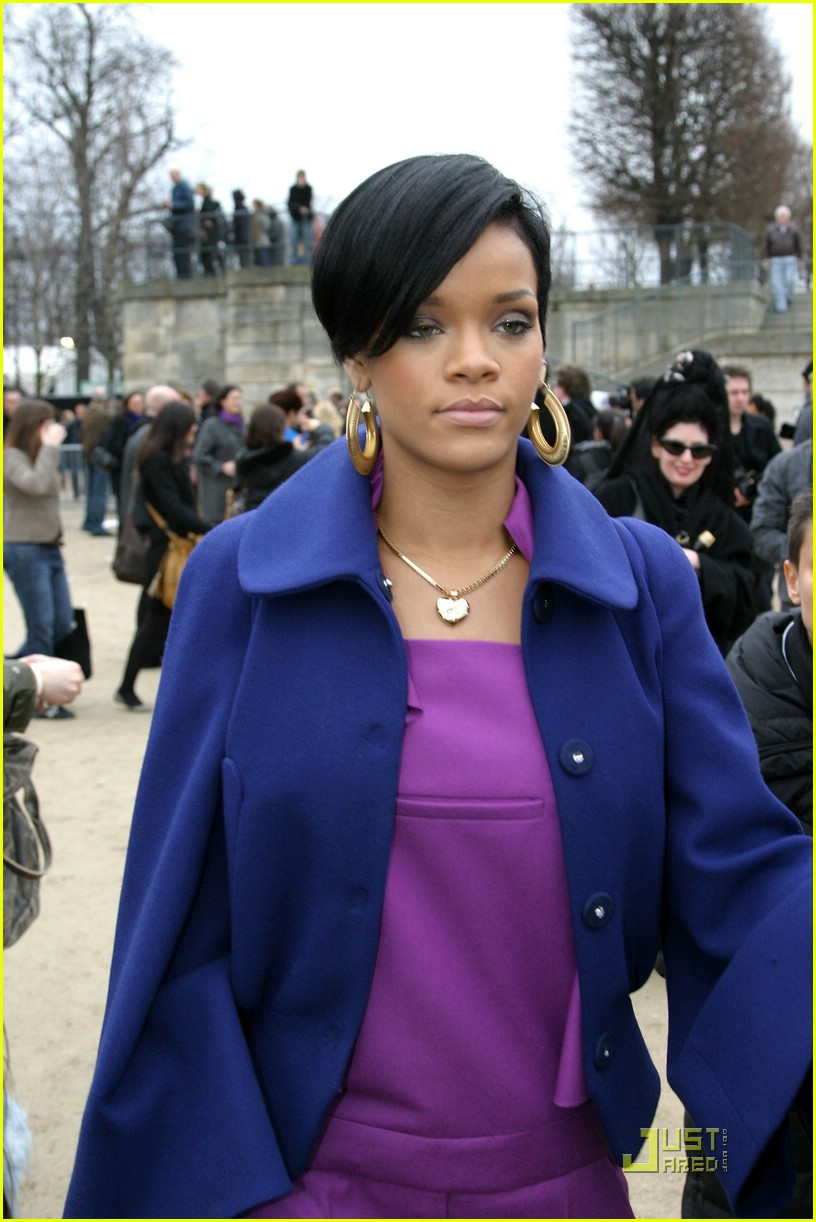 rihanna paris fashion week 06