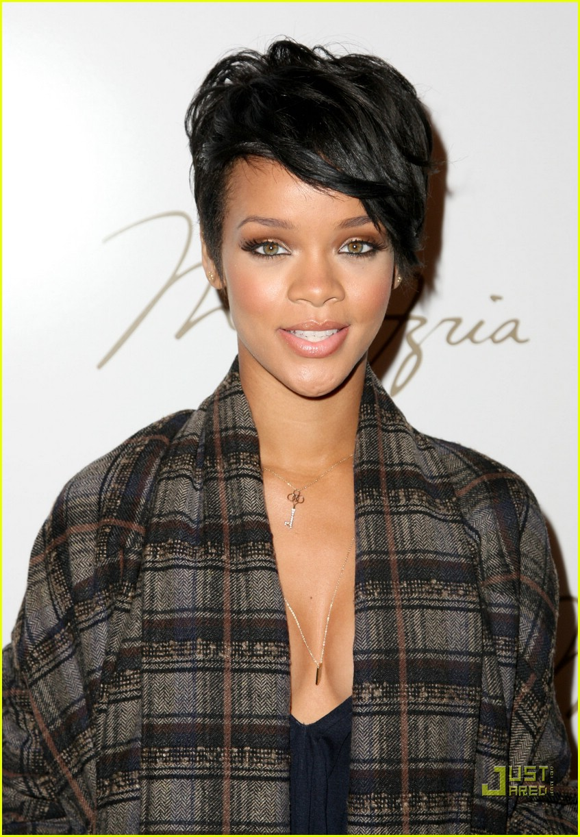 rihanna ny fashion week 03