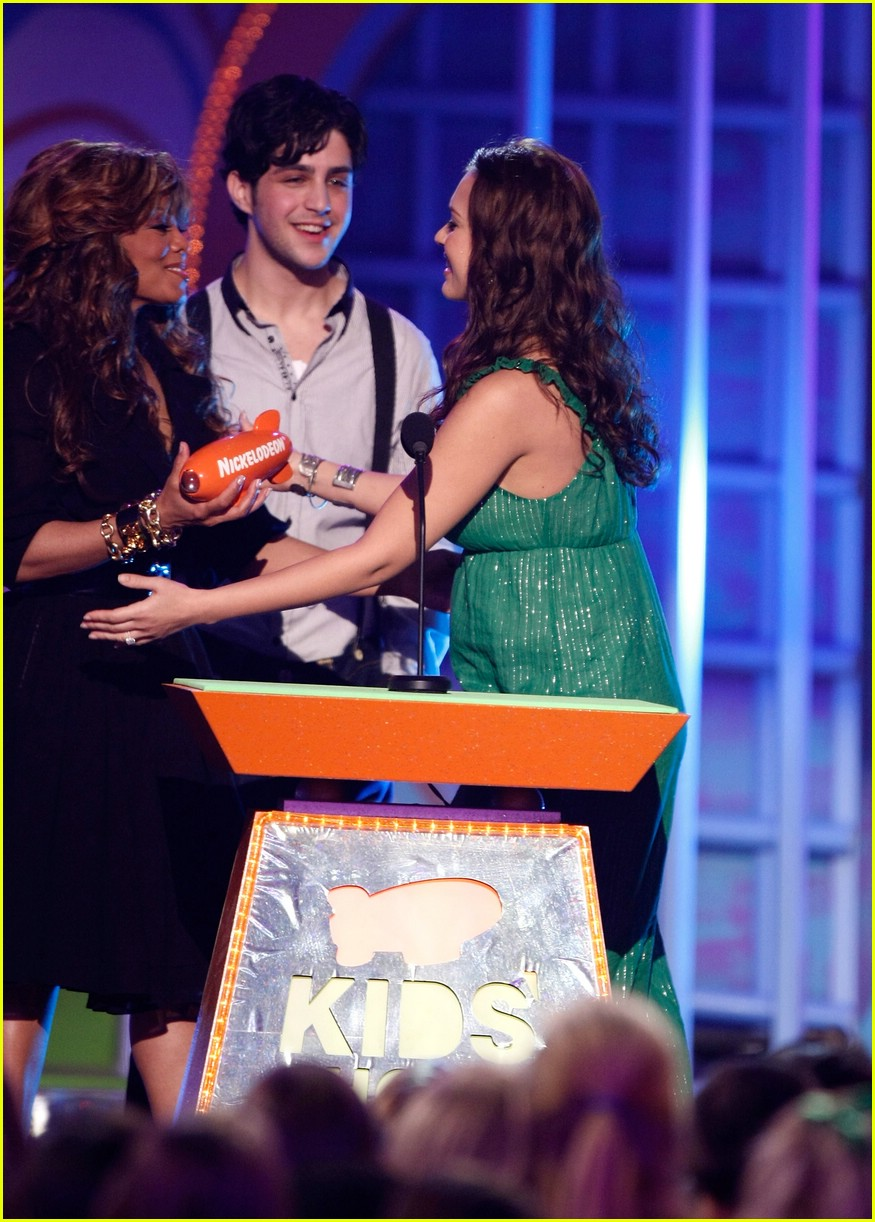 jessica alba 2008 kids choice awards 14