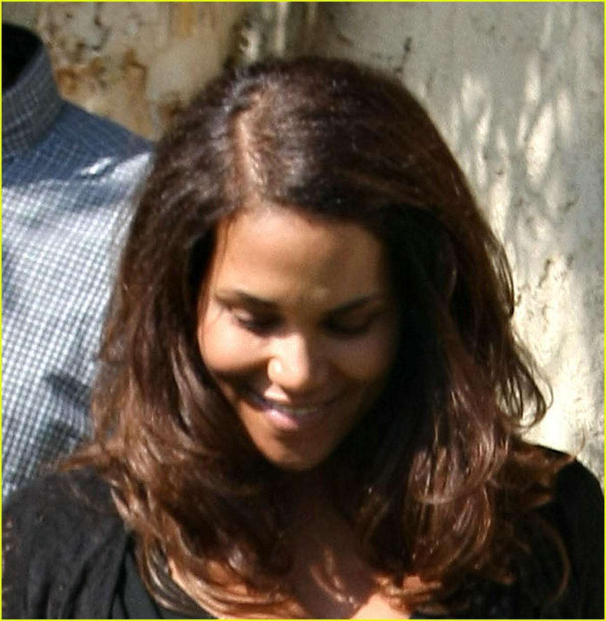 halle berry peek a boo 06