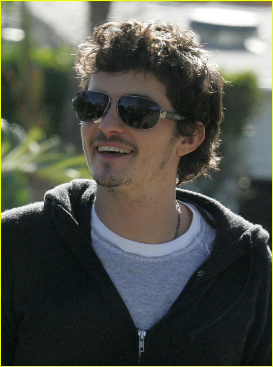 orlando bloom behind 061000321