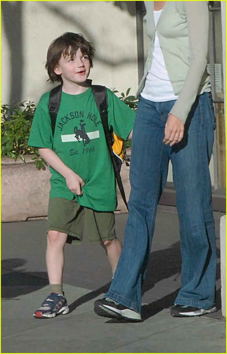 calista flockhart son liam 02