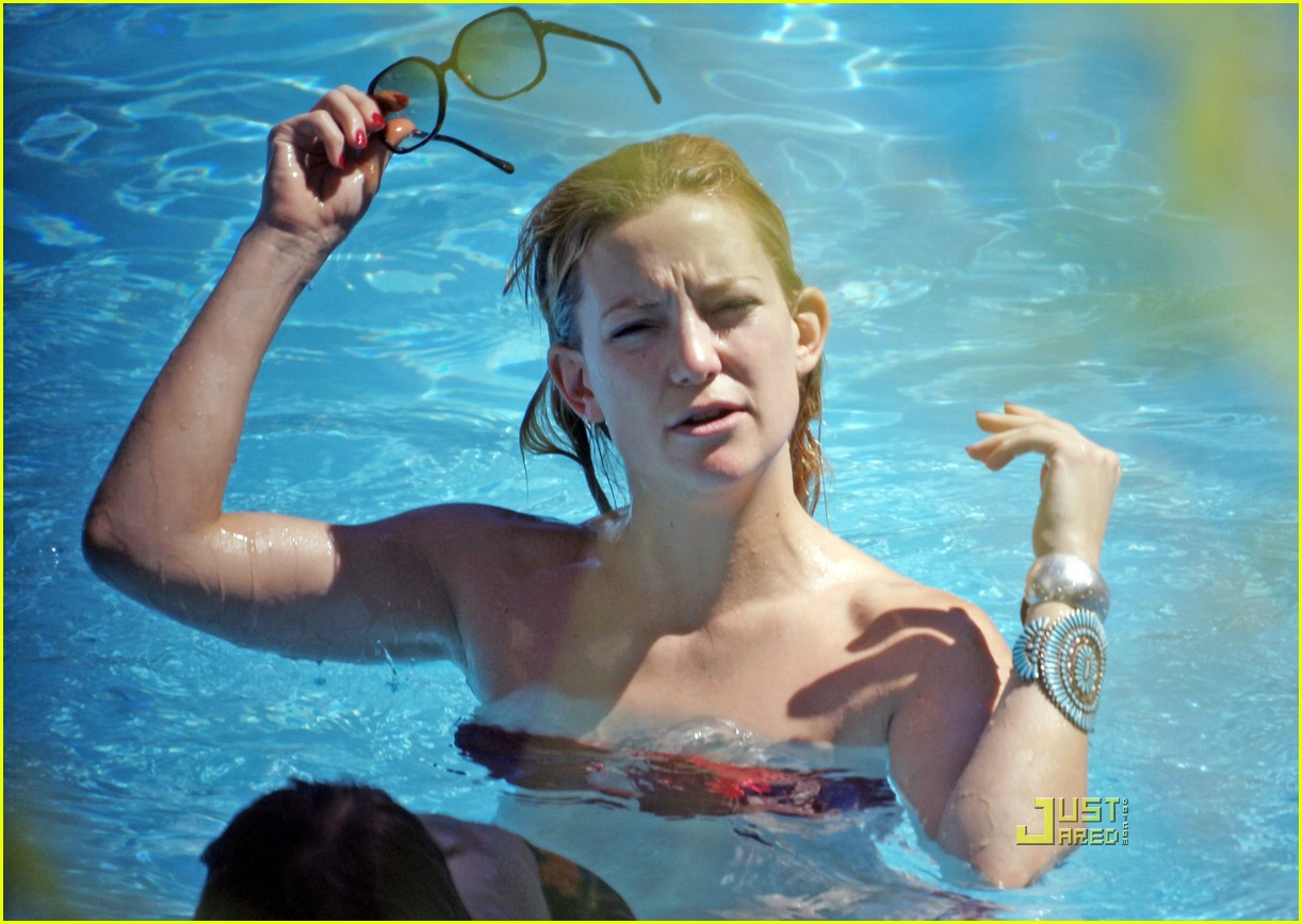 kate hudson ryder pool 21972051