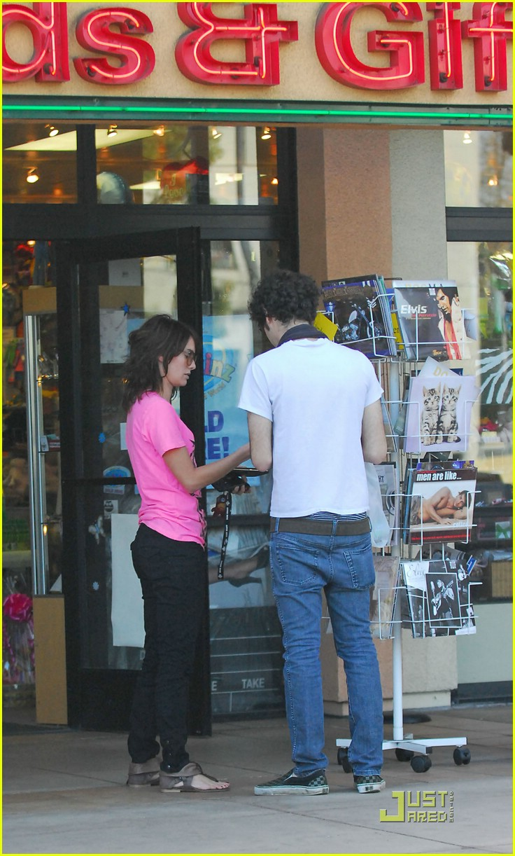 lena headey grocery shopping 09974161