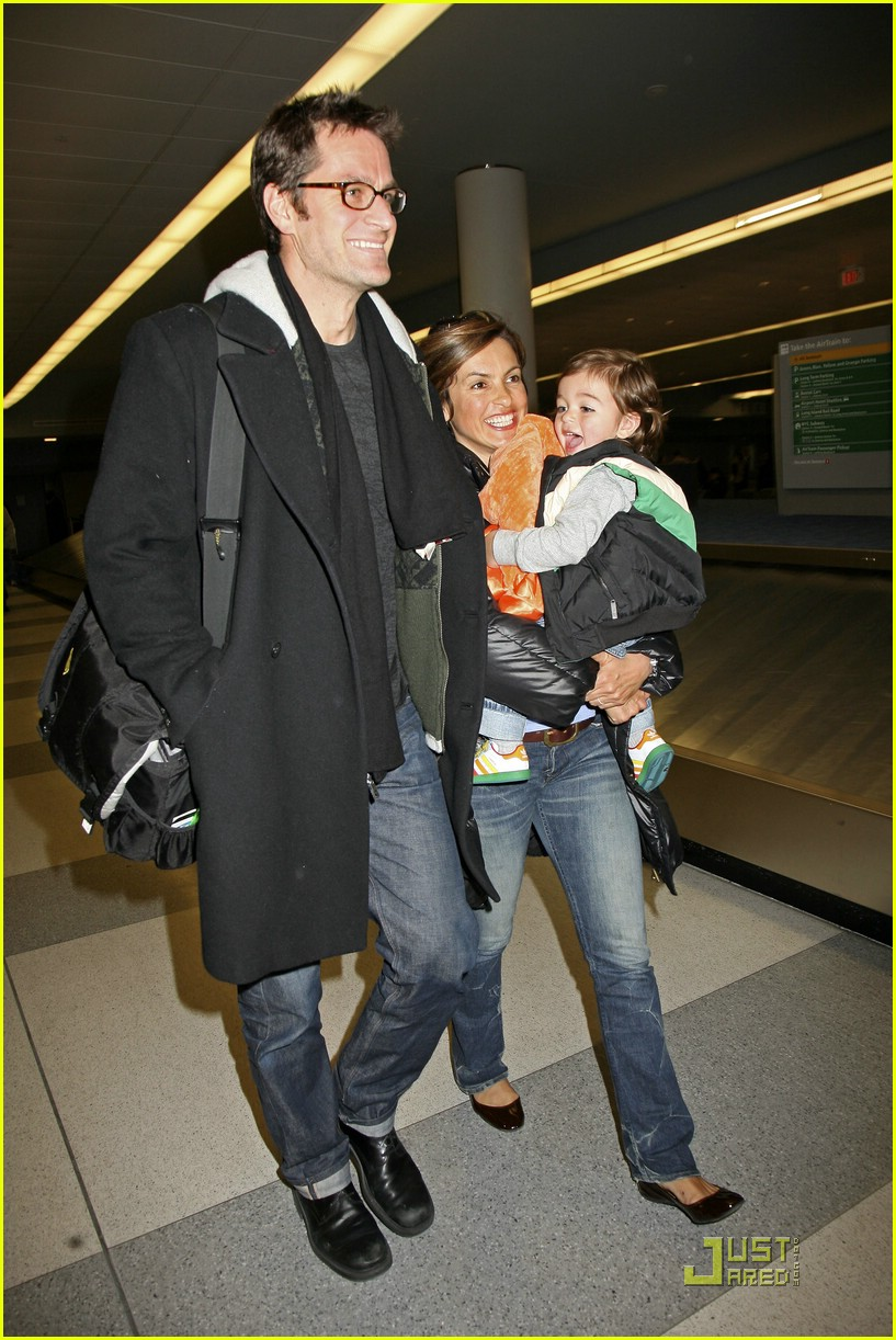 mariska hargitay august rush 07