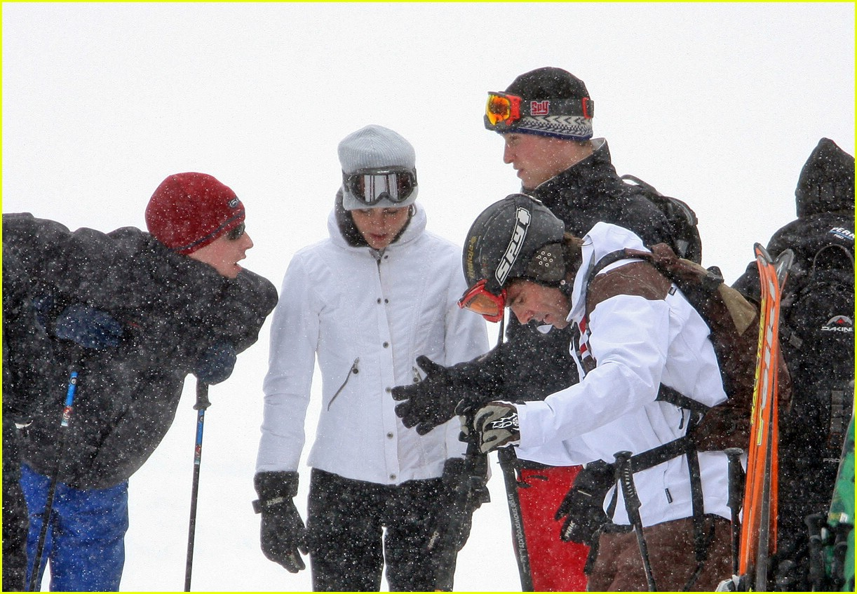 prince william kate middleton skiing 05