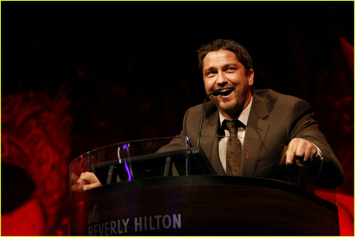 gerard butler salute to youth 02