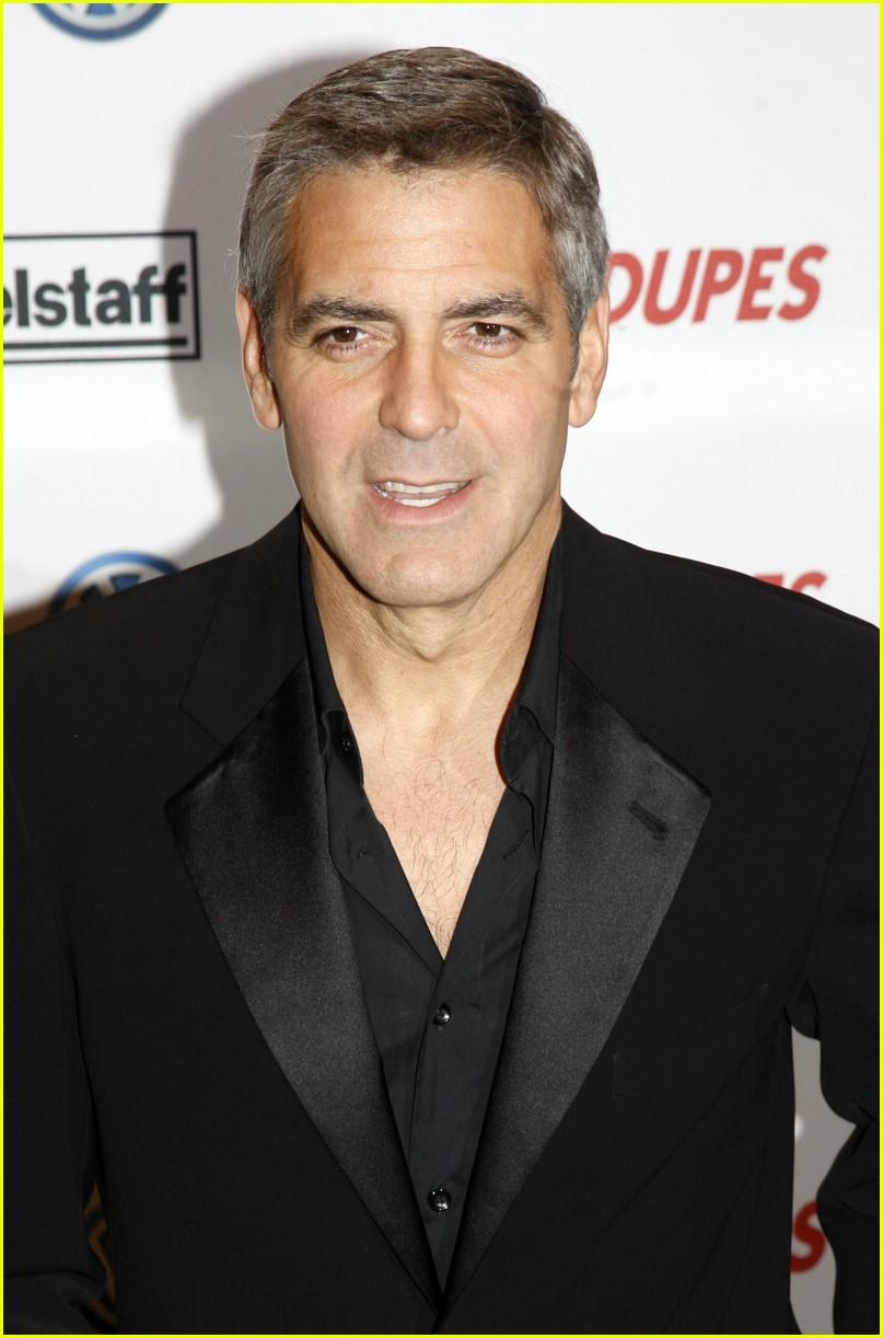 George Clooney and Renee Zellweger Do a Little Dance Renee Zellweger