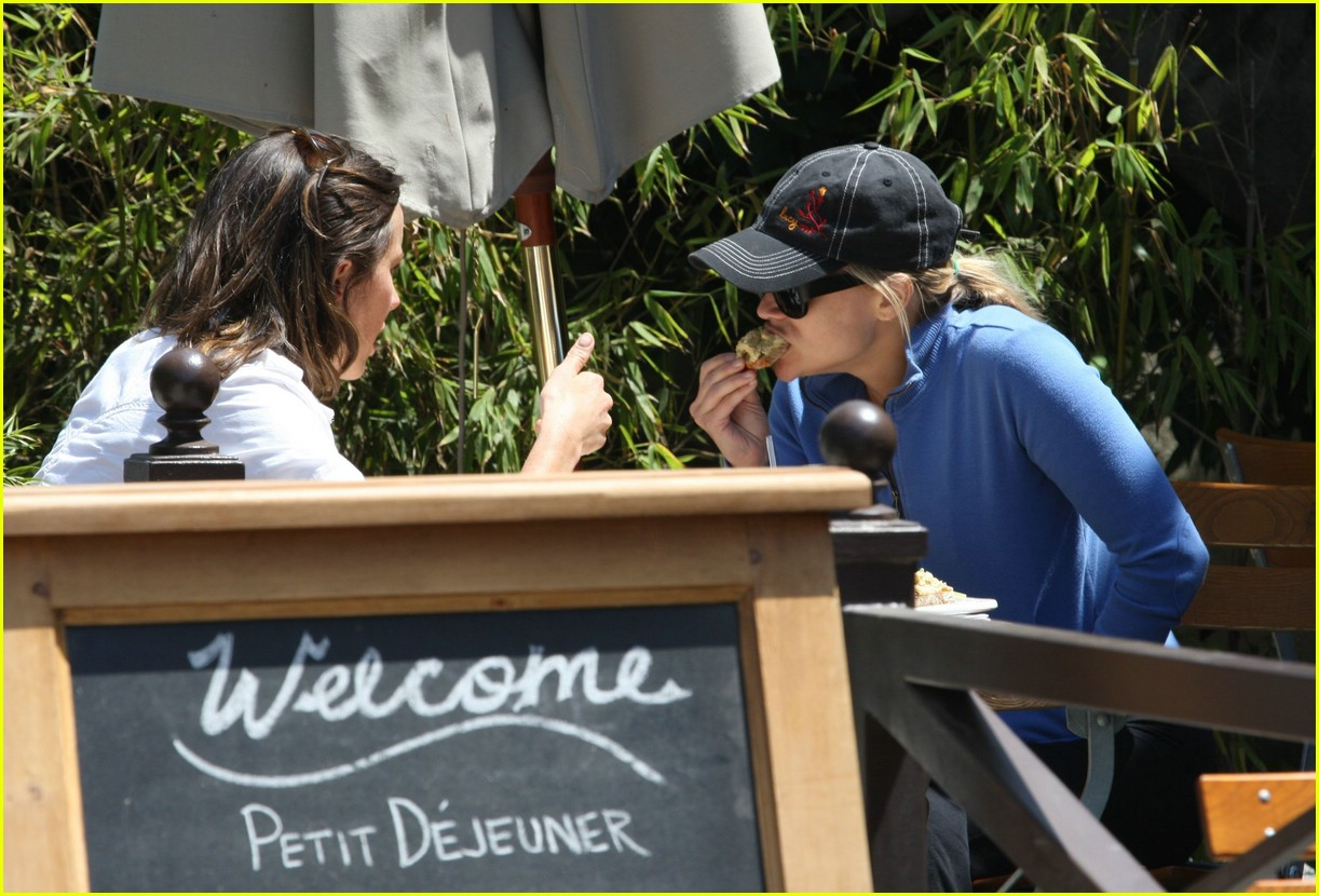 reese witherspoon lunch 021070851