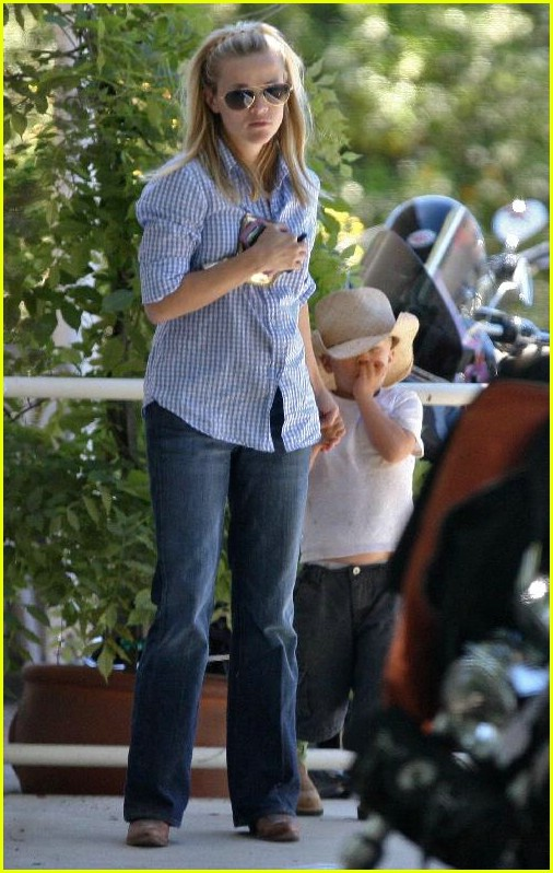 reese witherspoon ava deacon 08