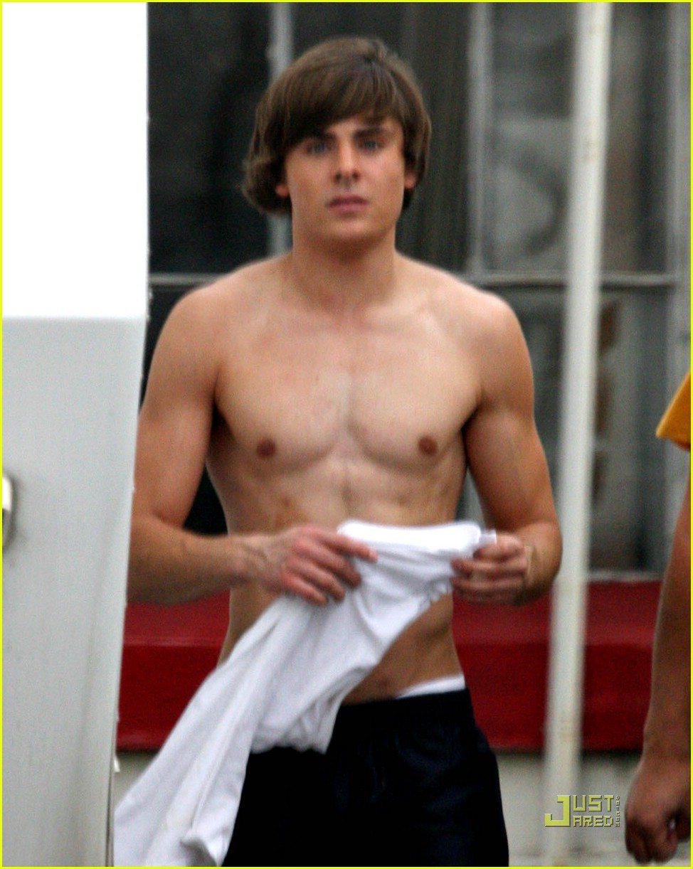 zac efron shirtless 011090911