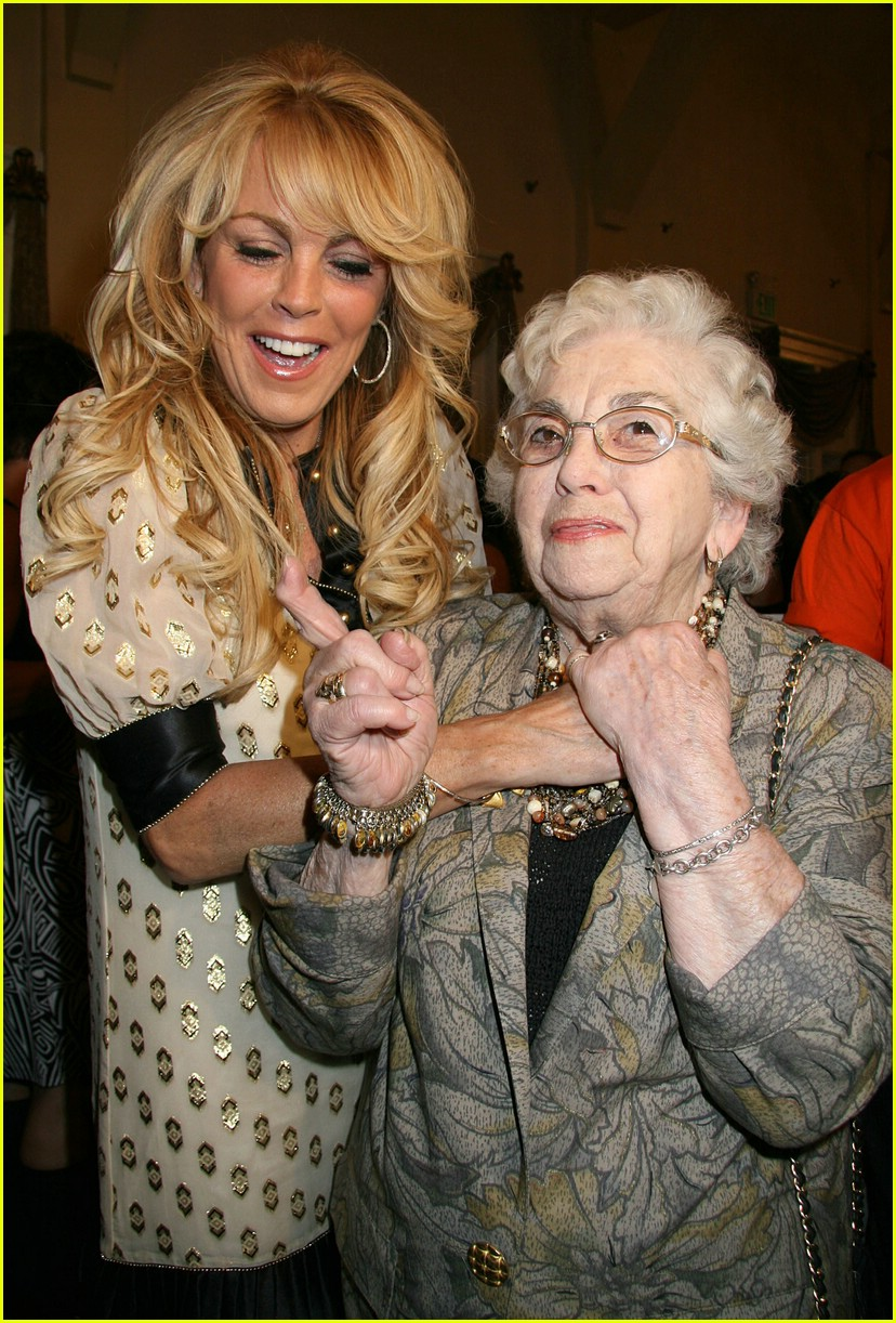 dina lohan miley cyrus 01