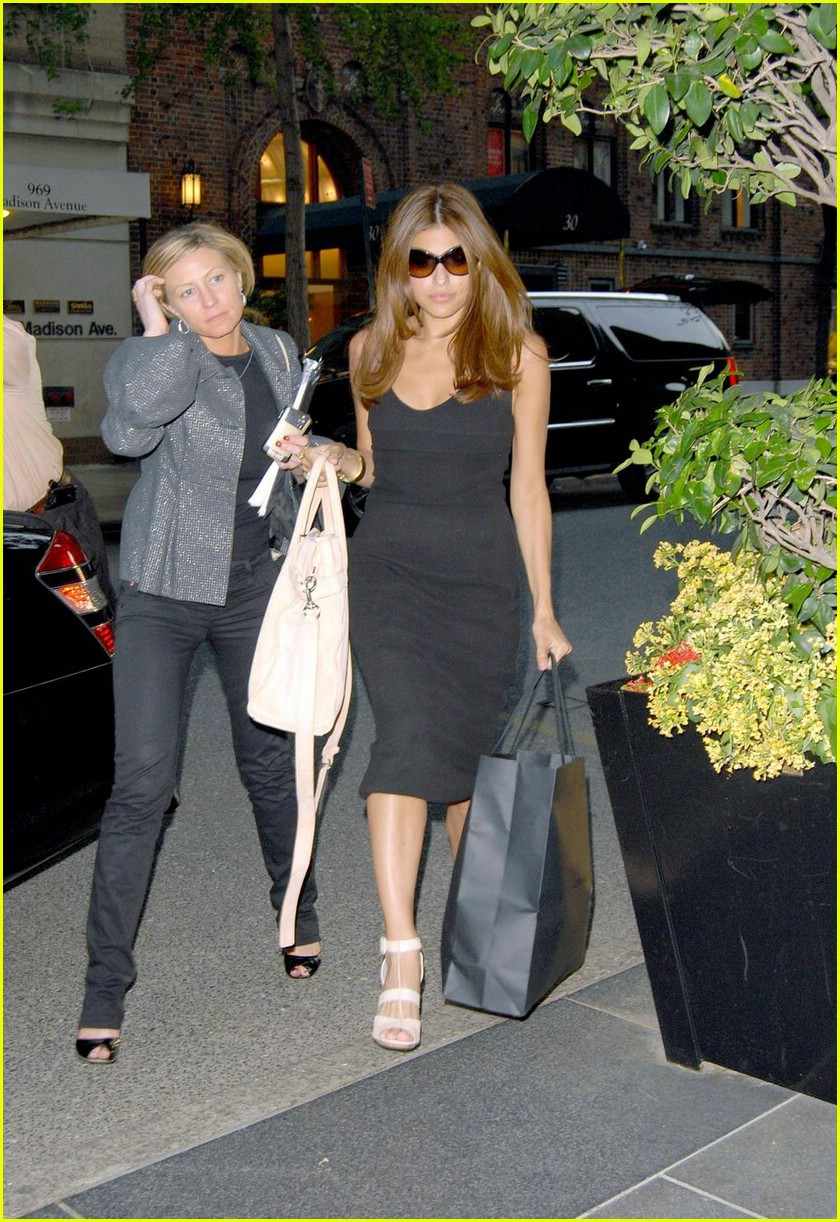 eva mendes nyc shopping 03