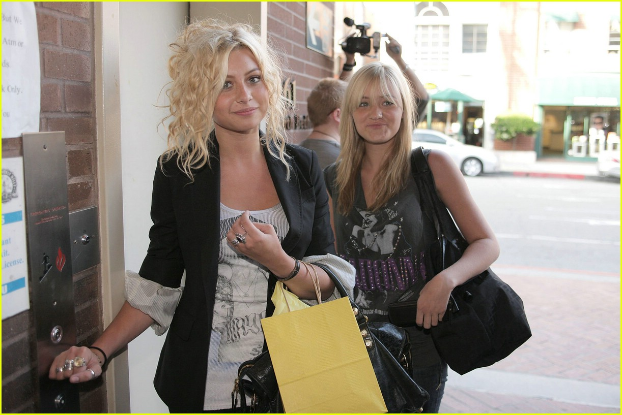aly aj michalka shopping 14