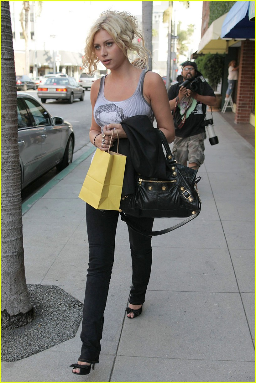 aly aj michalka shopping 311105851
