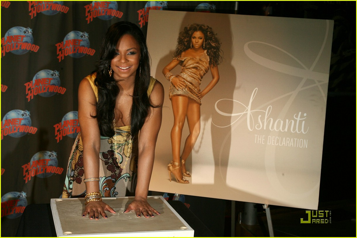 ashanti planet hollywood 16