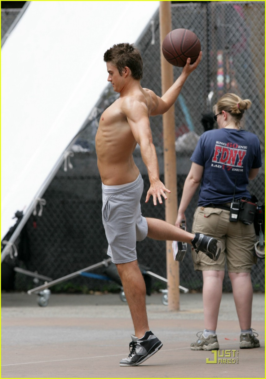 robert buckley hot 09