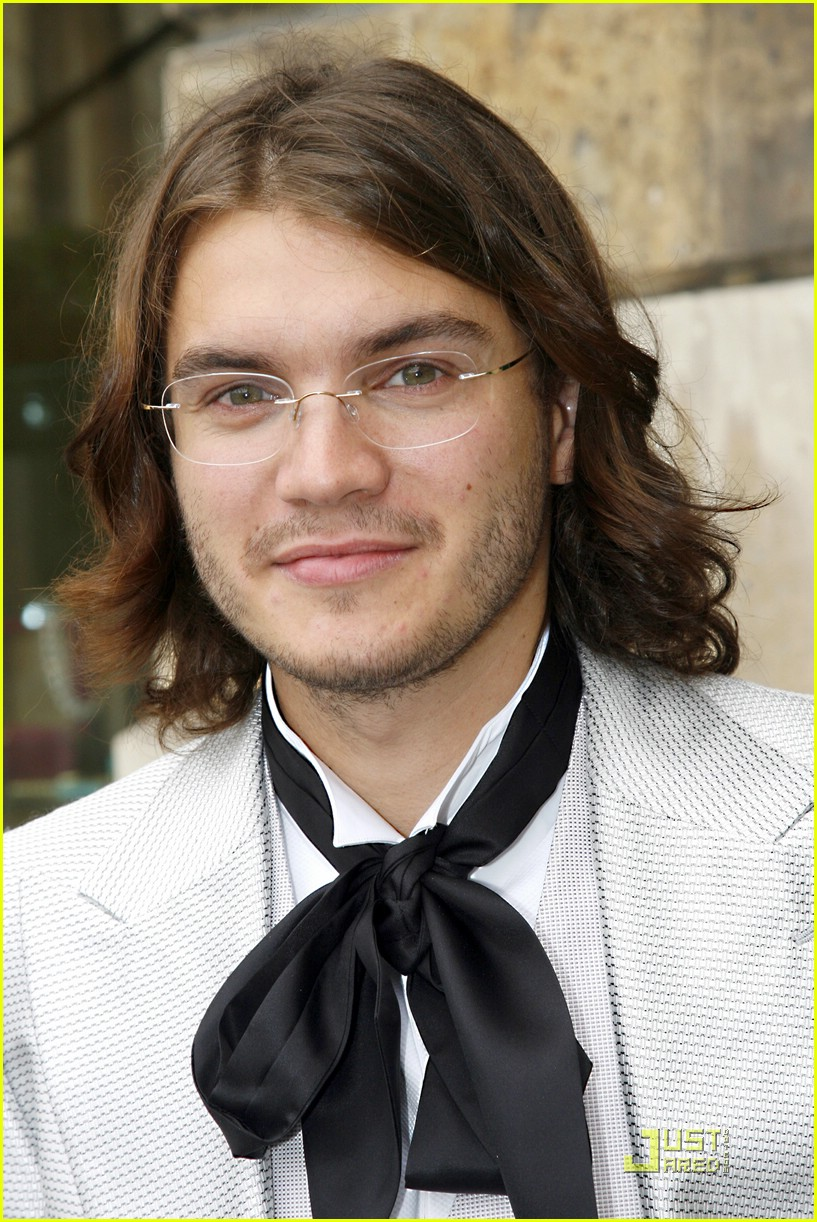 emile hirsch ribbon tie 09
