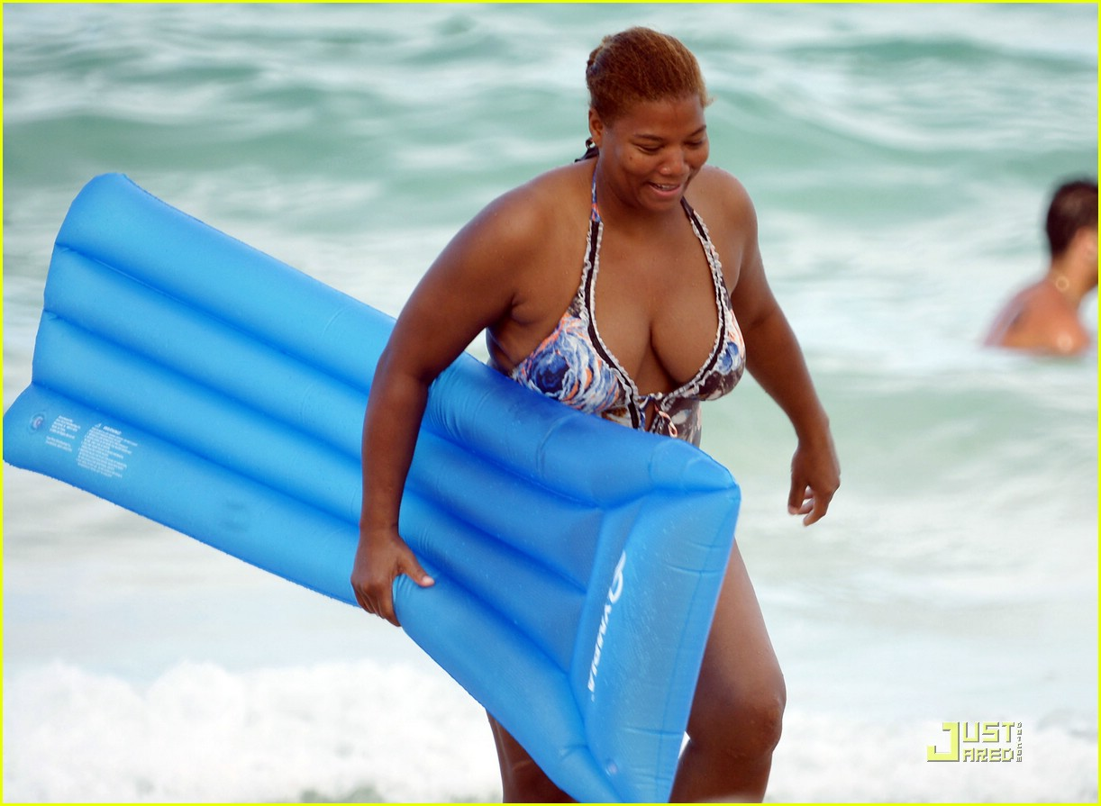 Latifah bikini queen