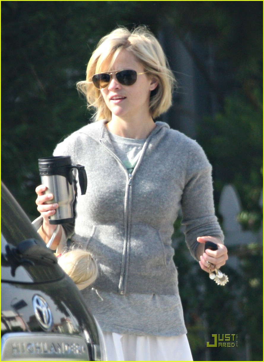 reese witherspoon yoga years 011203501