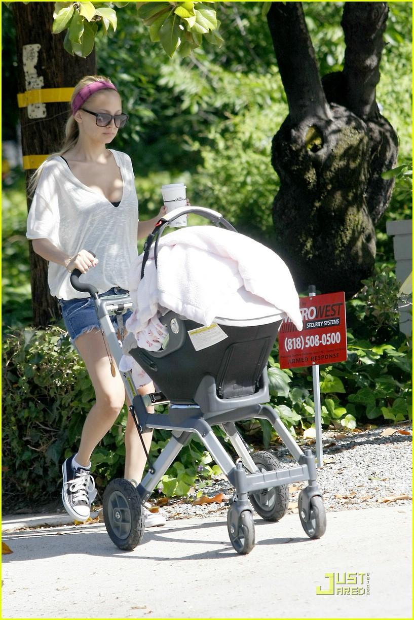 nicole richie stroller safari 031189001