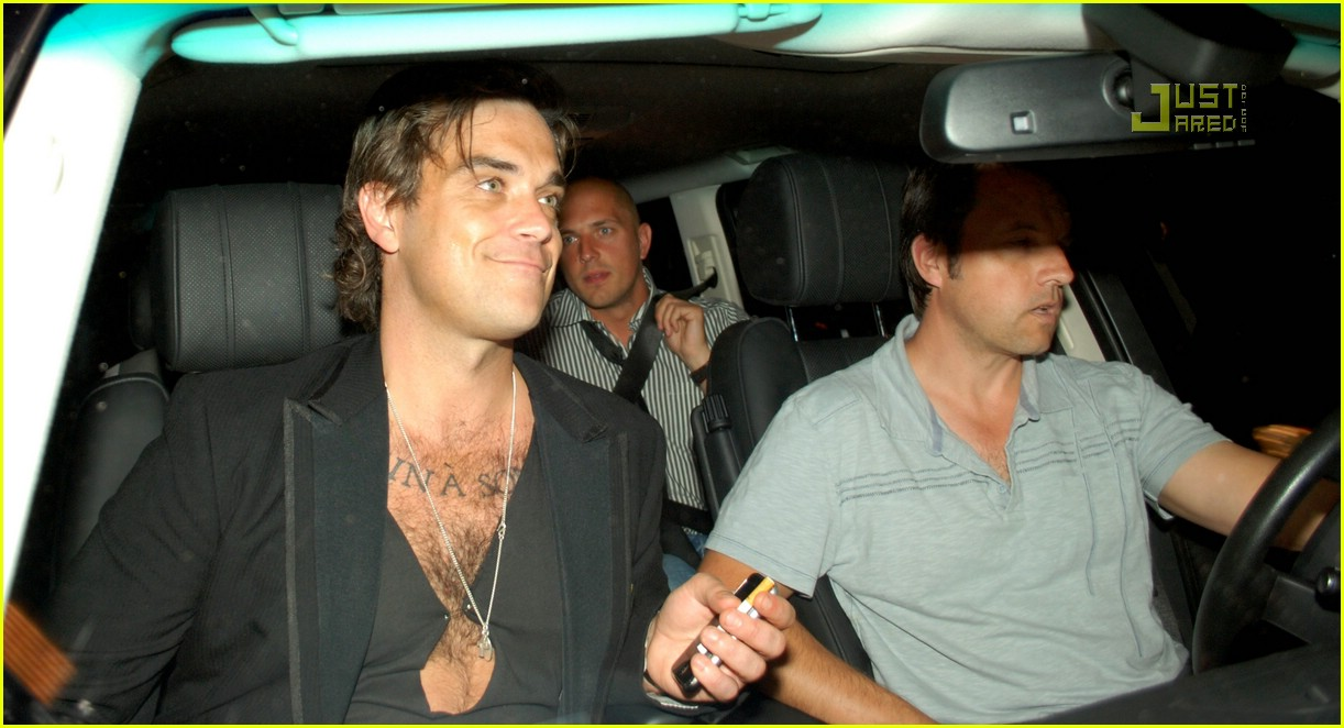 robbie williams chest hair 06