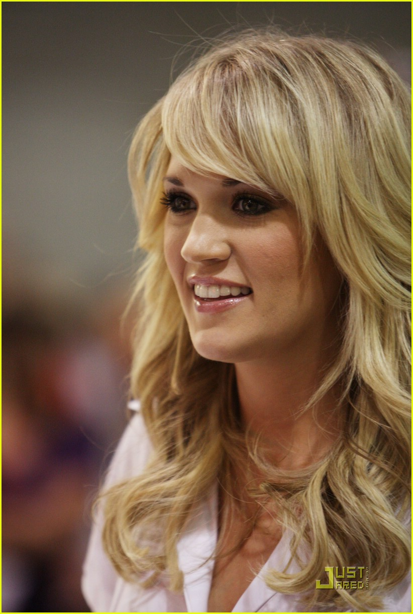 carrie underwood fan 021189251