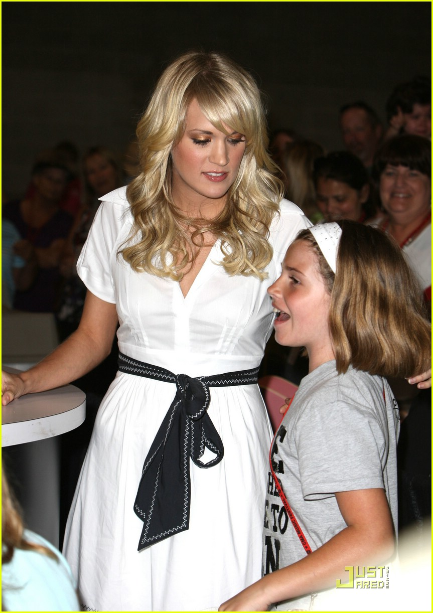 carrie underwood fan 28