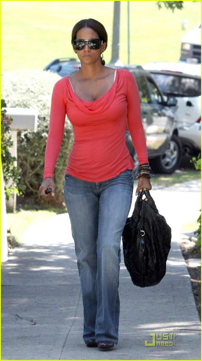 halle berry tickled pink 041296011