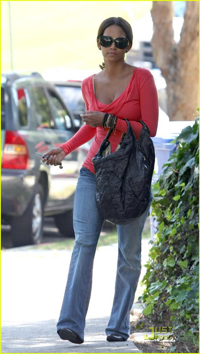 halle berry tickled pink 11